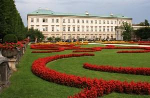 Schlossgarten und Schloss Mirabell in Salzburg
